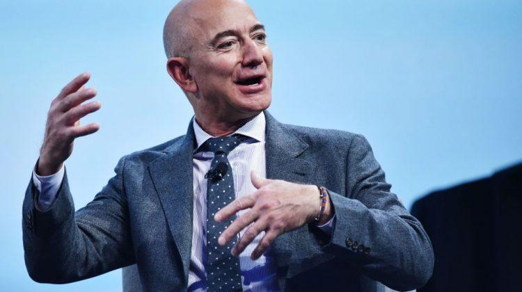 """Miliardarul Jeff Bezos va ajunge în cosmos! """"De când aveam cinci ani, am visat să călătoresc în spațiu."""""""