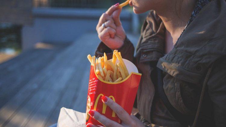 """Noul """"Proiect"""" al lui Bill Gates: Face cartofi pentru McDonald`s"""