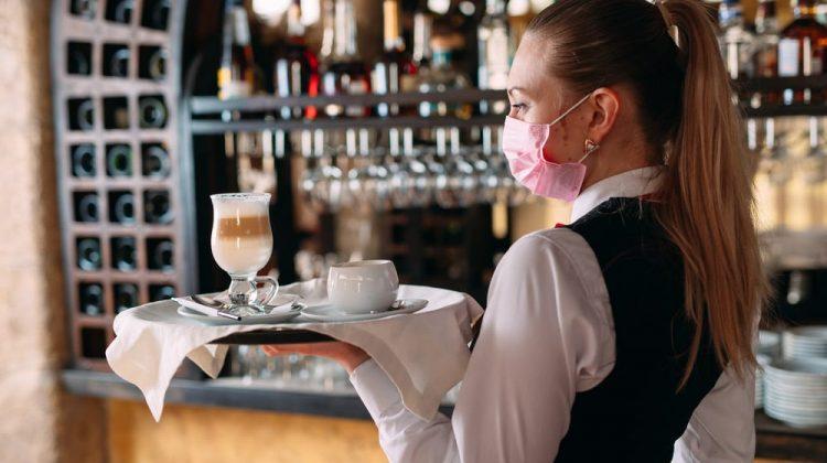 """Experiment social inedit la Moscova. Vor fi deschise restaurante """"COVID free"""", vor avea acces doar cei vaccinați"""