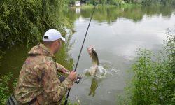 Liber la pescuit din 15 iunie. Interdicția rămâne în vigoare pentru unele iazuri și specii de pești