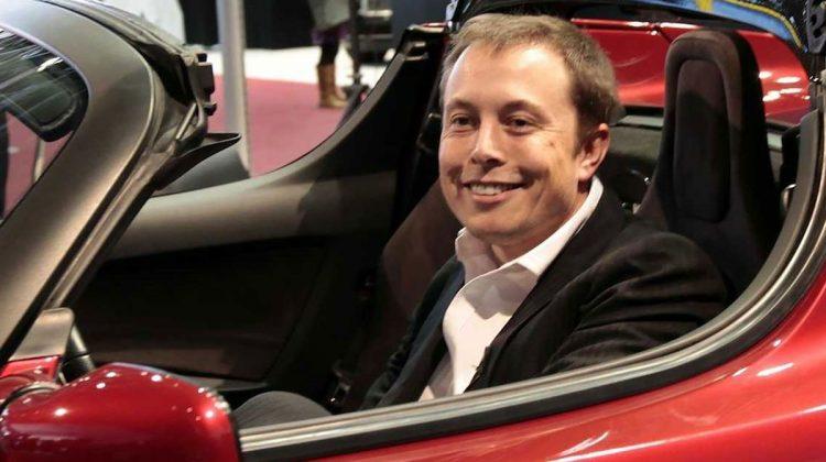 Elon Musk a anunţat anularea lansării celui mai scump model de sedan. Oare se confruntă Tesla cu probleme?