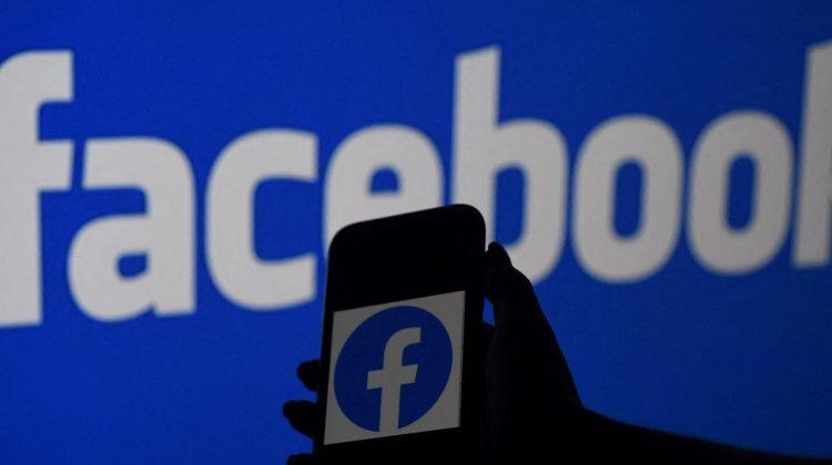 Spioni la Facebook! Conducerea a dat afară 52 de angajați și le aduce învinuiri grave