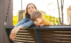 Cum să lăudăm copiii corect? Cum să crești copii încrezători și puternici din punct de vedere mental