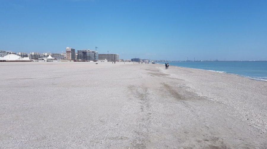 Ce spun turiștii despre plajele lărgite din Mamaia: nisipul nu mai e fin, sezlongurile sunt prea departe
