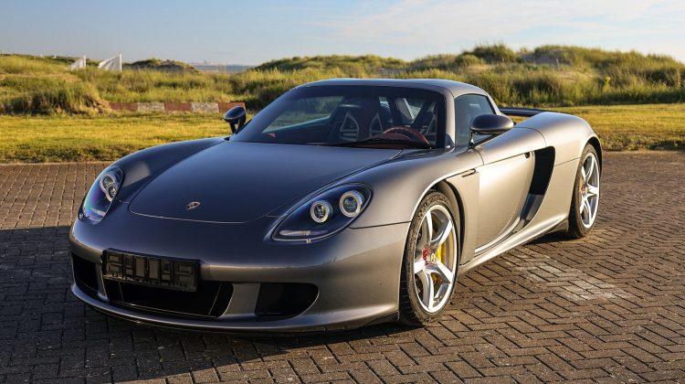 Porsche Carrera GT 2004 vândut pentru 975.000 de dolari. A aparținut  și campionului F1, Jenson Button