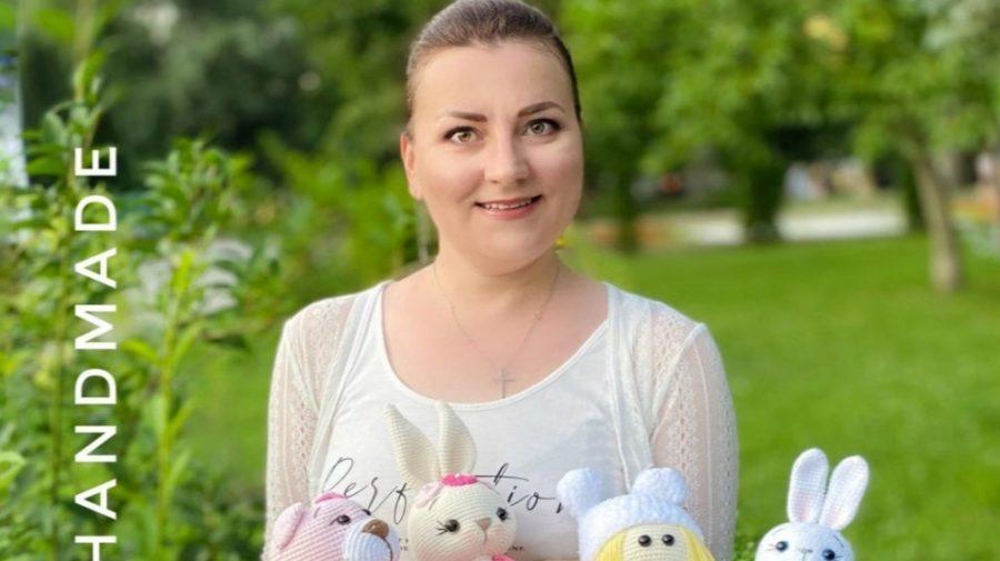 Jucăriile i-au schimbat viața! Istoria Mariei Bolgari, femeia care confecționează jucării ECO prin tehnica croșetei