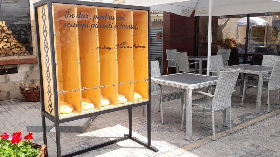 """Inițiativa socială lansată de Marcu Backery, oferă pâine gratuită oamenilor nevoiași. """"Lumea se ține pe fapte bune"""""""