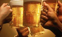 """O halbă cu bere pentru un vot """"corect""""! Fapta unui primar din raionul Anenii Noi"""