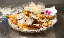 Au luat și recordul Guiness! Cine sunt americanii care vând cartofi prăjiți la 200$ per porție. Cât aur presară (FOTO)