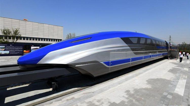 Cel mai rapid vehicul terestru la nivel mondial! Atinge 600 km/h fără contact cu șina