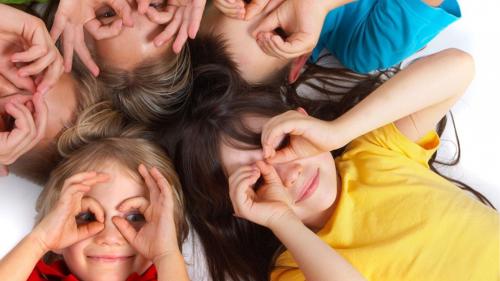 Ce trăsături cultivăm copiilor pentru a avea succes în viață? Sfaturile experților