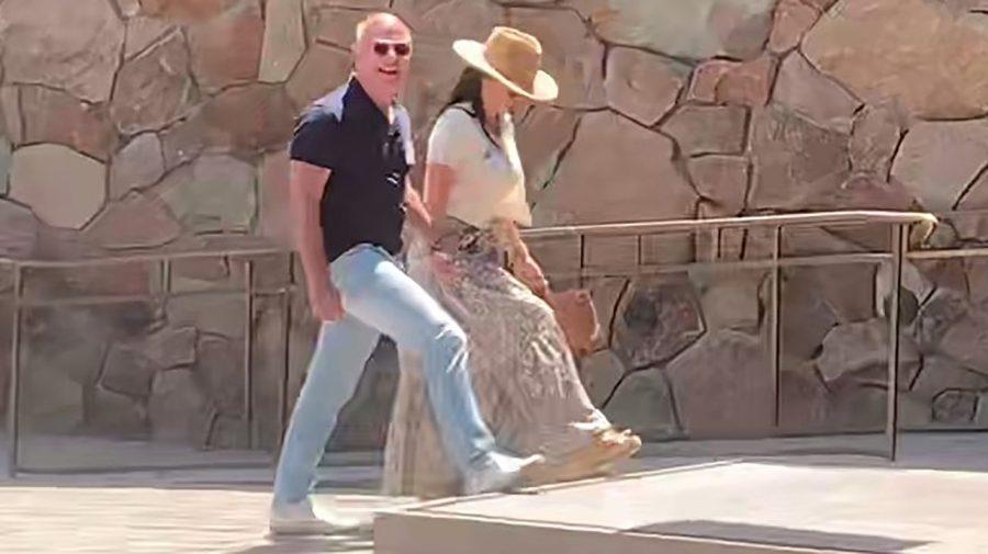 Jeff Bezos și Lauren Sánchez surprinși în vacanță în Sun Valley, la tabăra de vară a miliardarilor