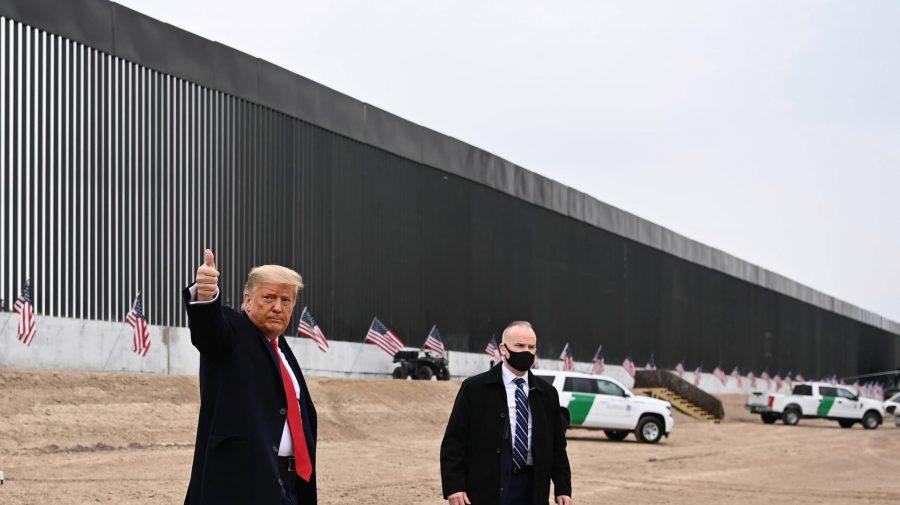 Omul de afaceri care a cheltuit 30 de milioane de dolari pe zidul lui Trump de la granița cu Mexic vrea acum să-l vândă