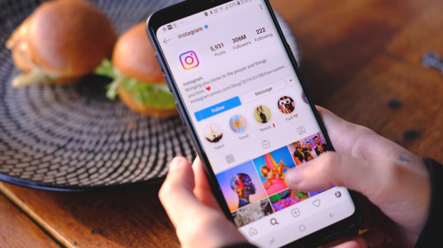 Țara în care influencerii sunt obligați prin lege să menționeze în social media că fotografiile lor sunt editate