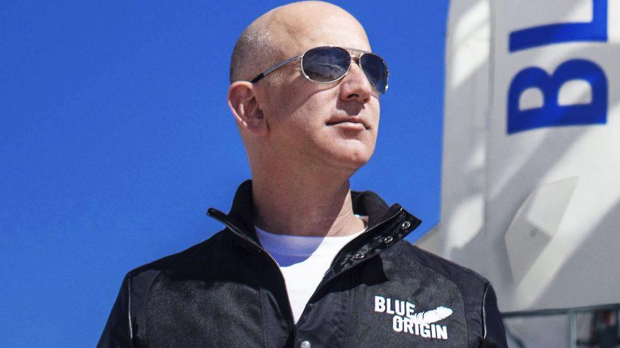 Cum arată racheta și cine sunt membrii echipajului cu care va pleca Jeff Bezos în spațiu
