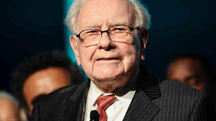 """Warren Buffett: cum să știi dacă ești un om de succes? (dacă nu ai asta, viața ta e un """"dezastru"""")"""