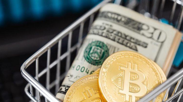 Avertismentul unui expert: Bitcoin se va prăbuși și ar putea ajunge la 10.000 de dolari