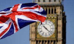 Marea Britanie vrea să elimine carantina pentru străinii vaccinaţi din UE şi SUA