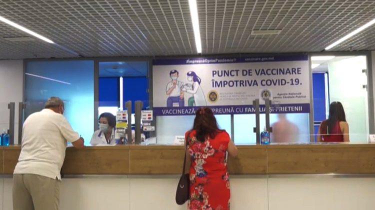 Un punct de vaccinare a fost deschis la Aeroportul Internațional Chișinău. Programul de lucru și vaccinuri disponibile