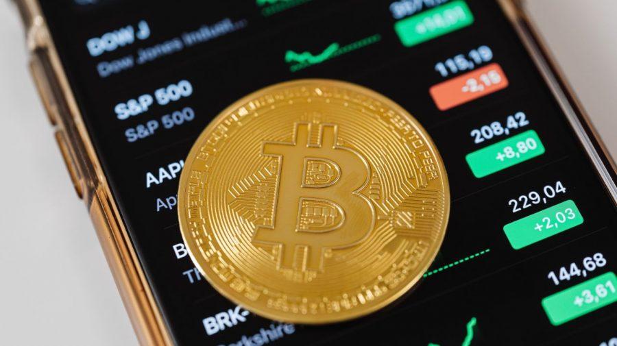 A fost adoptată legea mult așteptată de investitorii în criptoactive. Vin vremuri bune pentru monedele digitale