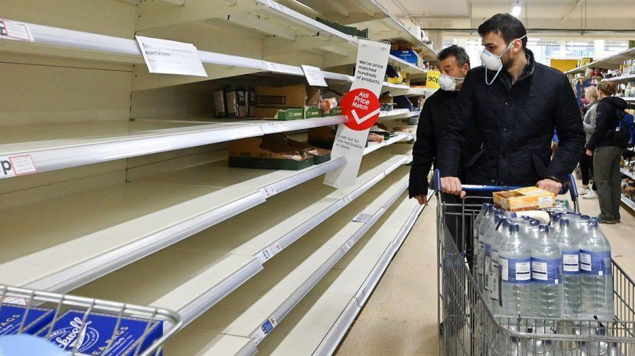 (FOTO) Criză de alimente în Marea Britanie. Zeci de magazine și benzinării s-au închis