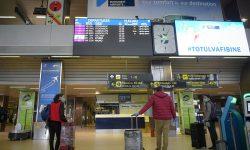 ALERTĂ la Aeroportul Internațional din Iași! Jumătate dintre pasagerii unei curse Londra-Iași, cu acte Covid false