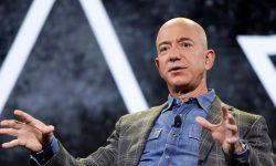 Bezos donează câte 100 de milioane de lei unui jurnalist și unui bucătar. Pentru ce merite?