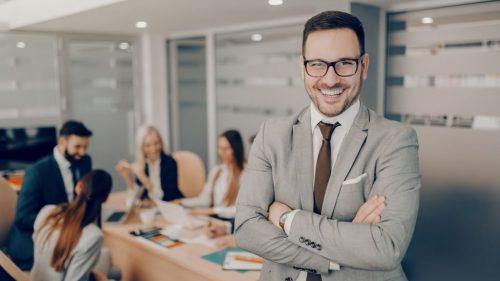 Cum să fii un LIDER de SUCCES? Sfaturi utile pentru o echipă mai eficientă