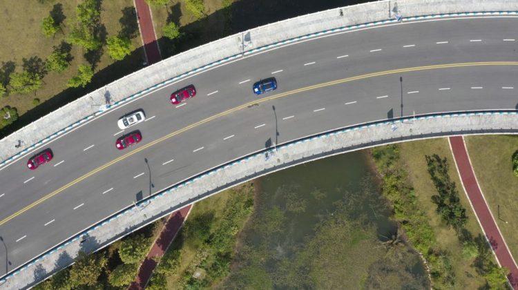 Mașinile autonome vor avea liber pe străzile din Franța. 47% dintre șoferi spun că acestea le permit să doarmă în mers