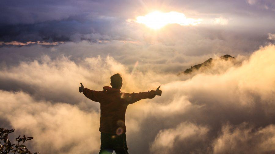 """7 legi ale succesului: """"Nu suntem animale. Nu suntem ceea ce ni s-a întâmplat în trecut. Avem puterea de a alege"""""""