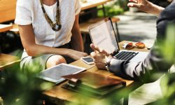 Idei de afaceri care înfloresc pe timp de caniculă