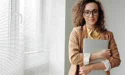 Ești tânăr și vrei să lansezi o afacere? Participă la instruirile organizate de CEDA și poți câștiga 1700 EUR
