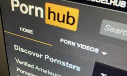 """Pornhub, dat în judecată de Muzeul Luvru din cauza unei aplicații. """"Am vrut să stimulăm publicul să meargă la muzeu"""""""