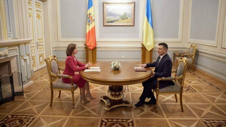 Oficialii țărilor vecine au felicitat Republica Moldova: Un pas decisiv în direcția unui parcurs european ireversibil