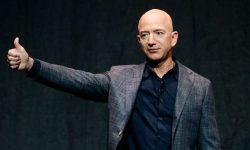 Persoana care a plătit 28 de milioane $ pentru a merge în spațiu cu Jeff Bezos este ocupată. Nu poate ajunge în cosmos