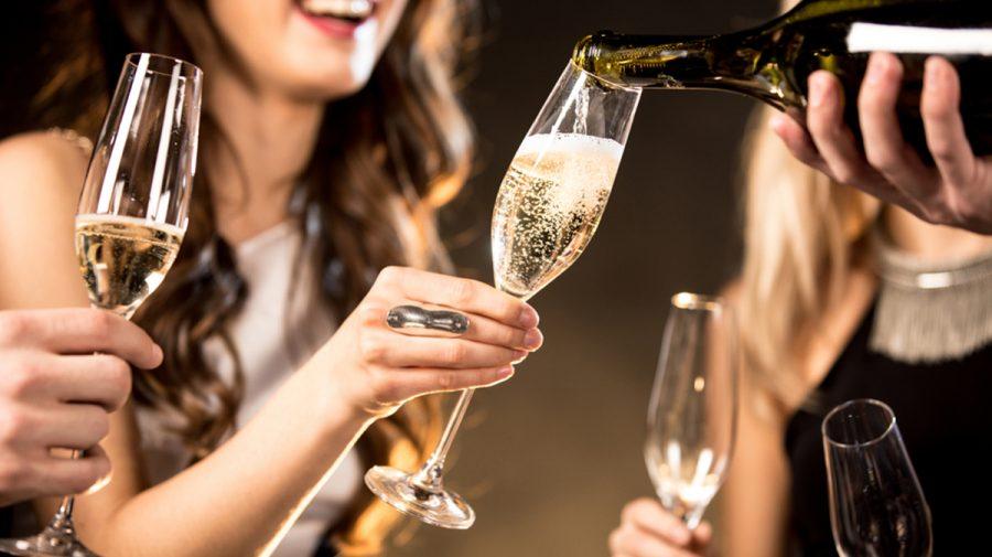 Elitele rusești ar putea să rămână fără șampania din Franța. Legea semnată de Vladimir Putin