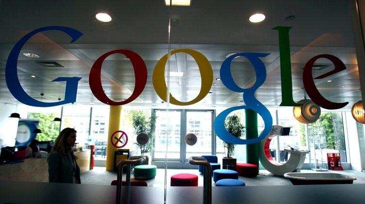 Efectele pandemiei: angajații Google care lucrează de acasă pot suferi micșorări salariale