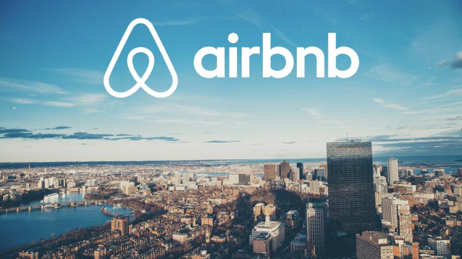 Brian Chesky: Simțim responsabilitatea de a face ceva! Airbnb va găzdui 20.000 de refugiați afgani