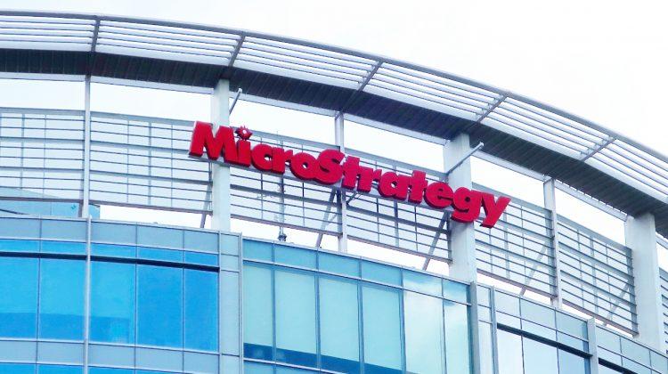 MicroStrategy deține acum 5,3 miliarde de dolari în bitcoin. La ce preț a achiziționat criptomonedele