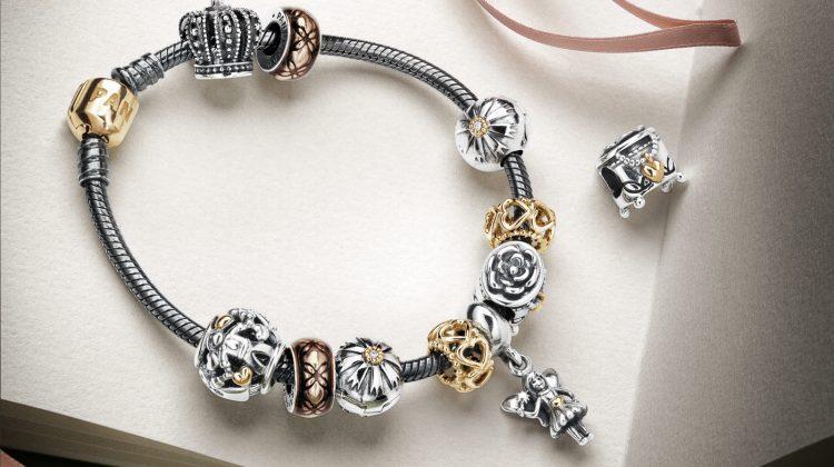 Americanii fug după lux: Vânzările producătorului de bijuterii Pandora depăşesc nivelul dinaintea pandemiei