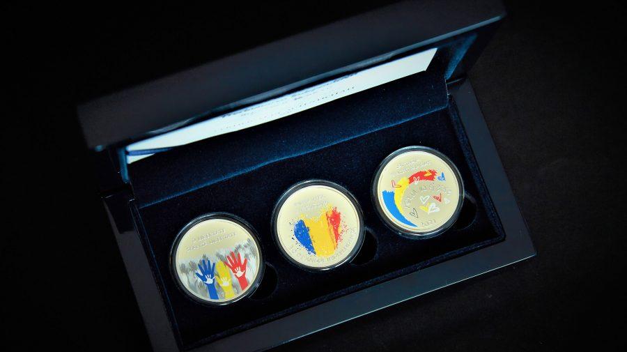 (FOTO/VIDEO) BNM pune în circulație un set de 3 monede dedicate celor 30 de ani de independență a Republicii Moldova