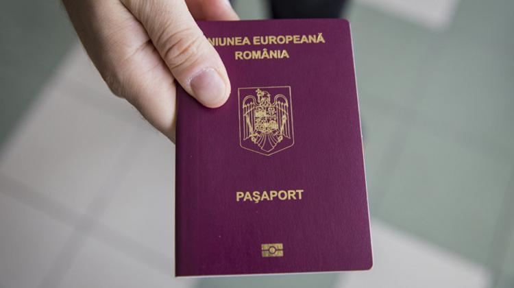De astăzi se elimină cerința formei autentice a unor declarații necesare la depunerea cererilor pentru cetățenia română