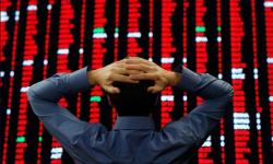 Marele selloff al acţiunilor chinezeşti: Alibaba, gigantul din e-commerce se prăbuşeşte pe bursă