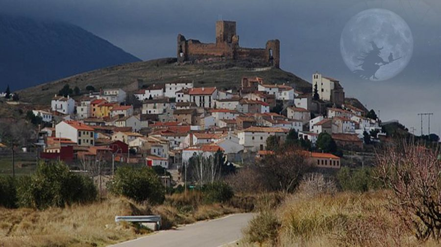 """Sătucul din Spania cu doar 89 de locuitori care a transformat blestemul """"vrăjitoarelor"""" în bani"""