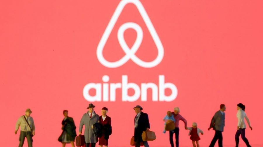 O nouă provocare pentru Airbnb! Compania se teme că un declin al vaccinării îi va afecta considerabil veniturile