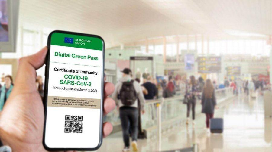 Franța: Green Pass-ul devine obligatoriu, de astăzi, pentru centrele comerciale