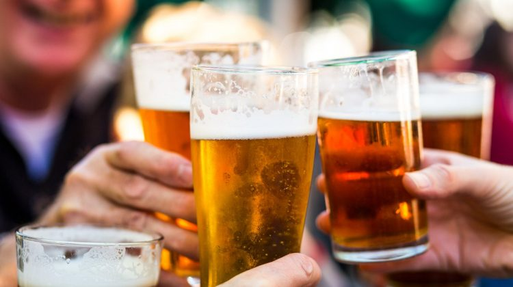 TOP 10: Orașele în care găsim cea mai ieftină bere. Unde să mergi în vacanță