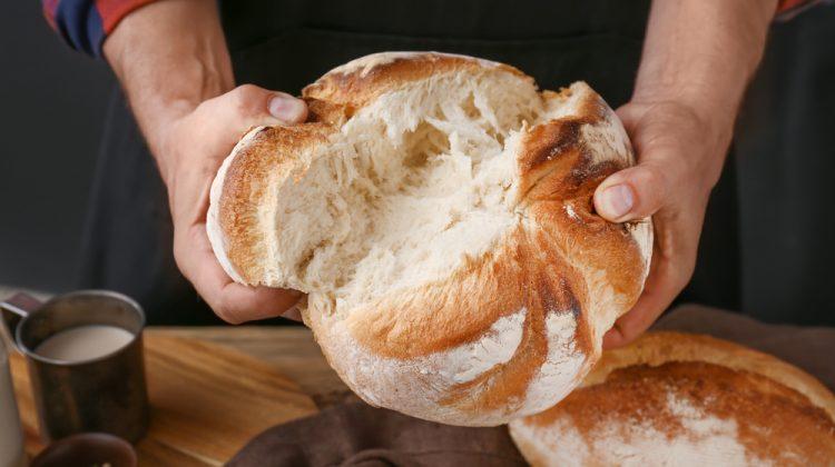 De ce unii au scumpit pâinea? Instituția vinovată și compania favorizată în cumpărarea grâului din rezerva de stat