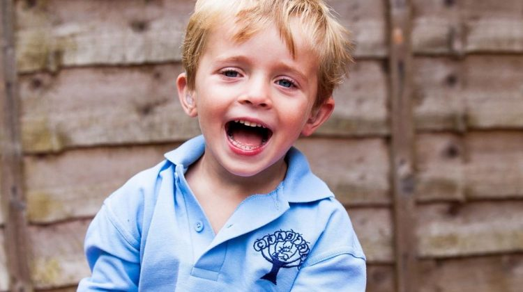 CNAS explică modul de calcul al indemnizaţiei lunare pentru creşterea copilului