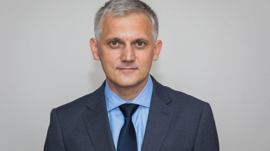 A fost numit noul director al Agenției Medicamentului și Dispozitivelor Medicale. Este absolvent al USMF